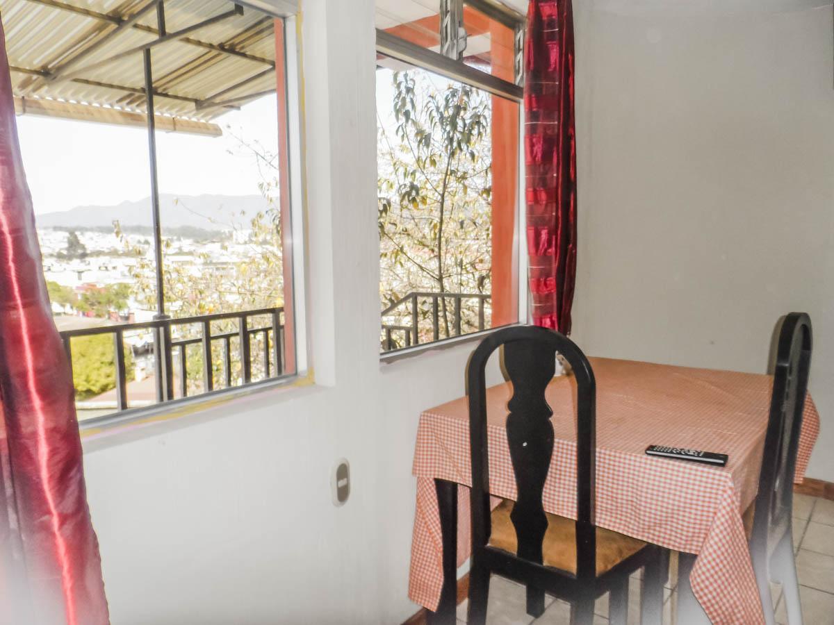 study-apartment-rent-quetzaltenango-dinning