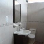 apartment10-bathroom