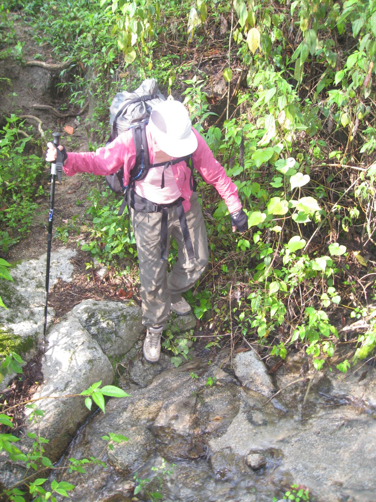 hiking-lake-atitlan-san-pedro-xela